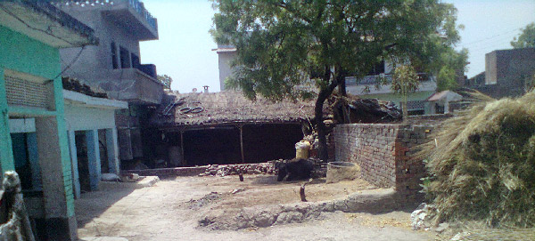 इस गाँव का रहन-सहन लगभग साधारण ही है जैसा की हर गाँव में होता है यहाँ के लोग कच्चे एवं पक्के मकान में रहते है जो लोग ग़रीब है उनको […]